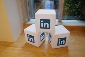 9 Ways To Expand Your LinkedIn Network